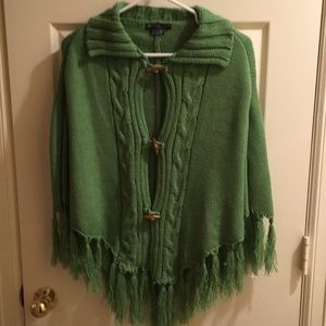 Kenneth Cole Reaction shawl with toggle closure
